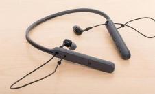 索尼WIC600N无线耳机评测良好的噪音消除和轻量化使其成为一个实用的选择